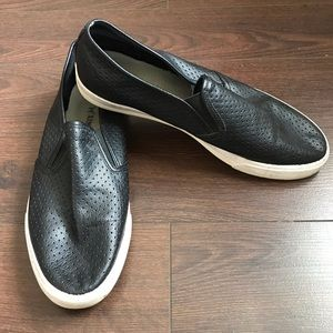 Shoes - Casual Slip-on Shoe